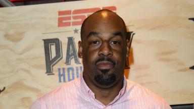 ESPN drops Donovan McNabb, Eric Davis after harassment investigation