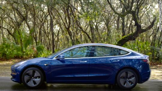 Tesla Gm Buyers To Lose 7 500 Tax Credit Within A Year