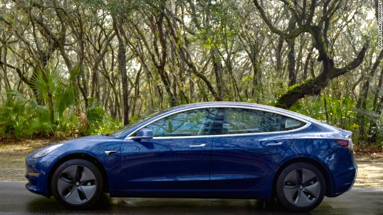 Consumer Reports: We can't recommend Tesla's Model 3