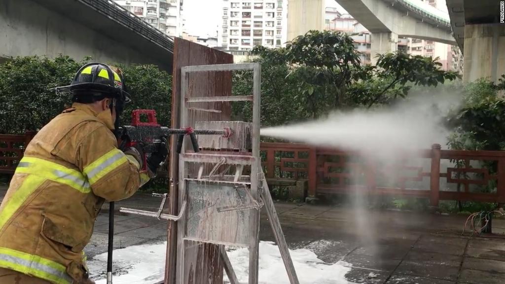 This water gun can pierce concrete