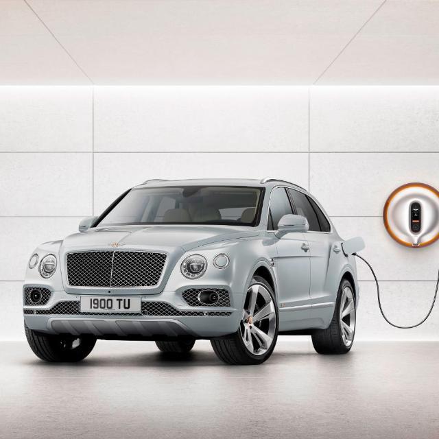 Bugatti to reveal $6 million supercar