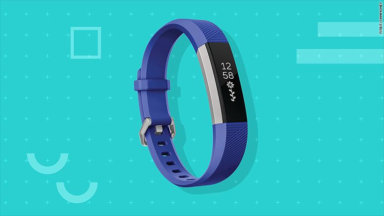 Fitbit Unveils Versa A Smartwatch That Looks Strikingly