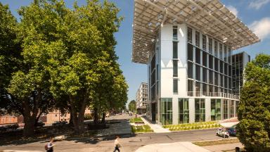How office buildings are reducing their carbon footprint