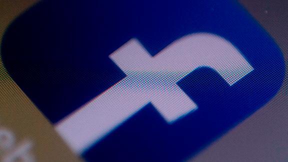 Mark Zuckerberg disavows controversial Facebook memo