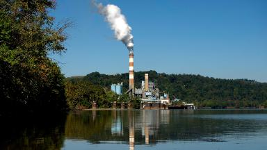Coal power company files for bankruptcy and asks Trump for bailout