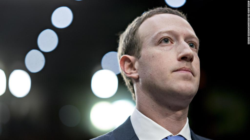 Zuckerberg: Average person doesn't read full privacy policy