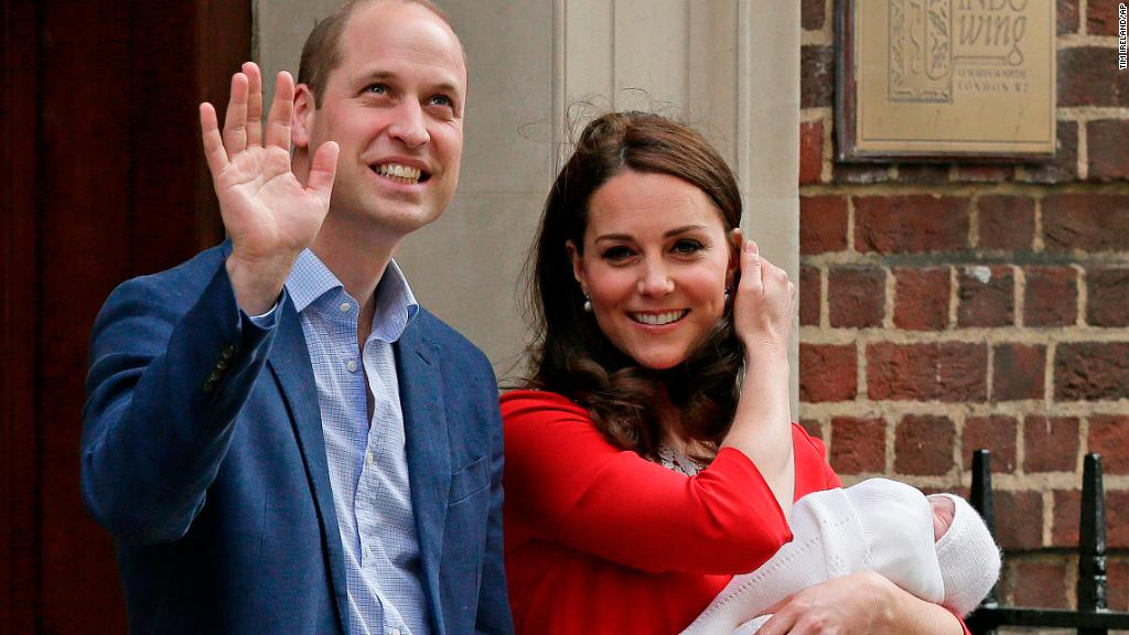 First glimpse of newborn Prince Louis