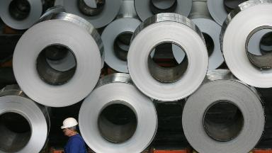 Aluminum stocks fall as US considers easing sanctions on Russian company