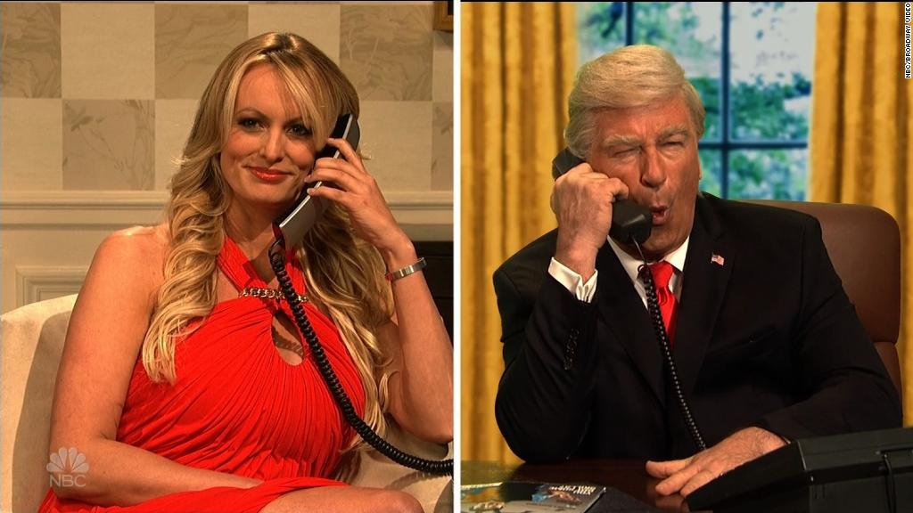 Stormy Daniels taunts Trump on 'SNL'