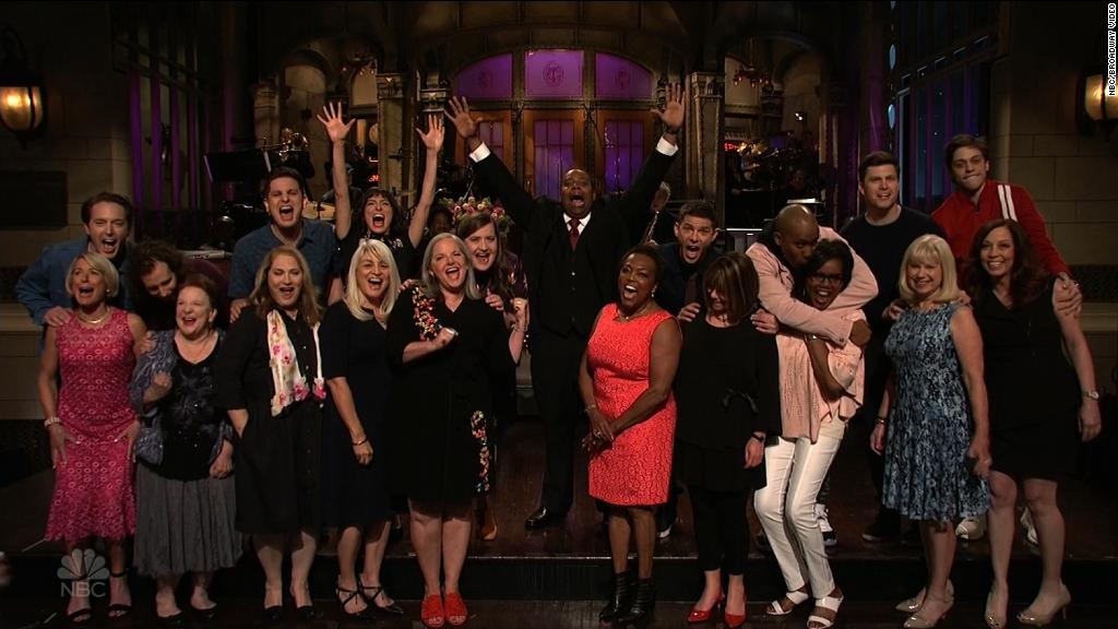 Moms of 'SNL' critique show's Trump jokes