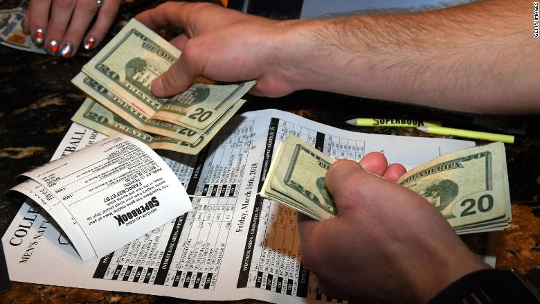 New funds bet on decline how to bet on win only