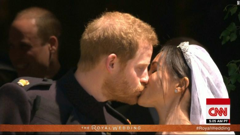 See Prince Harry And Meghan S Wedding Kiss Video