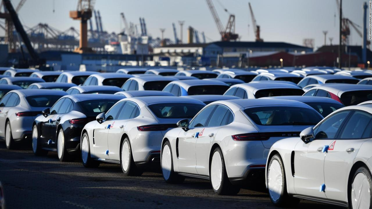 US considers tariffs on car imports - Video - Economy