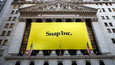 Snap users drop for first time, but revenue climbs