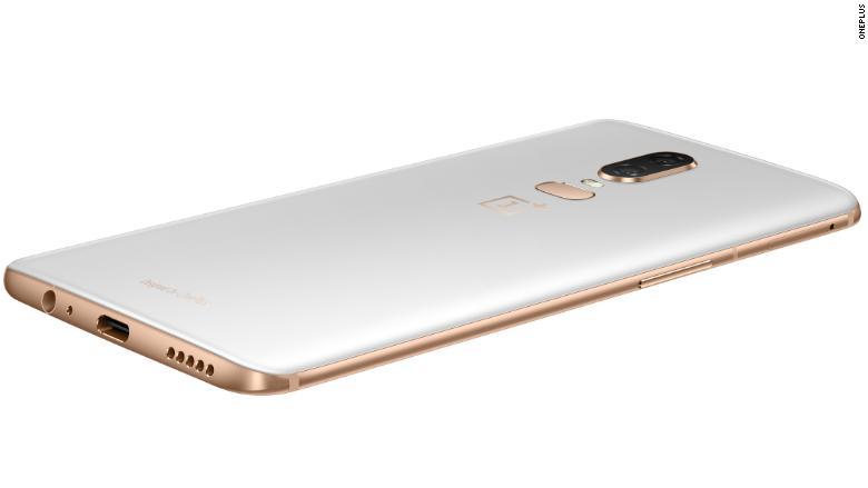 OnePlus 6 silk white