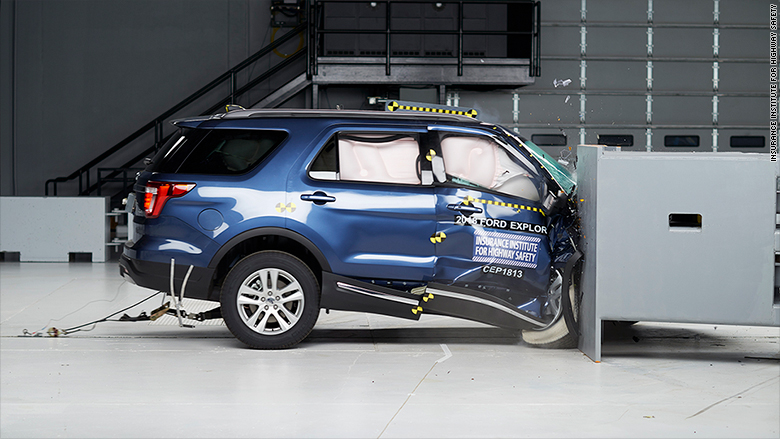 ford explorer iihs crash test