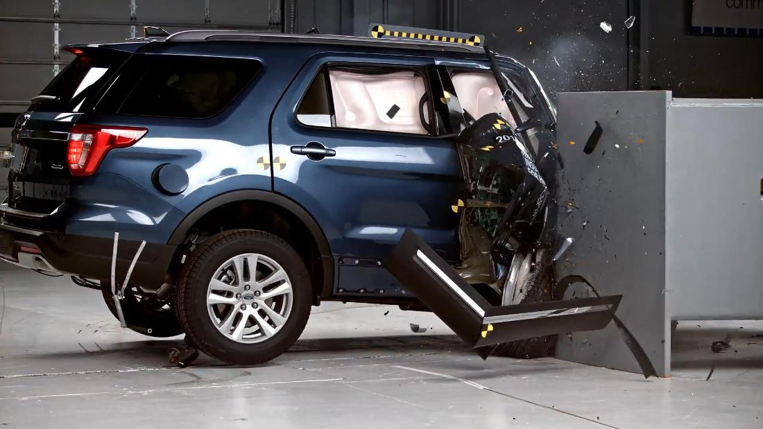 Jeep Grand Cherokee And Ford Explorer Flunk Crash Test Video