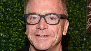 What's behind Tom Arnold's bizarre anti-Trump media blitz