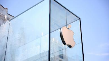 Apple is within striking distance of $1,000,000,000,000