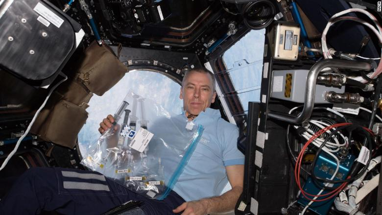 Andrew Feustel astronaut space station