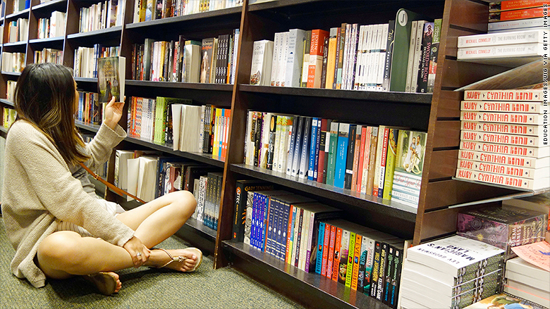 Barnes & Noble is in big trouble in more than one way