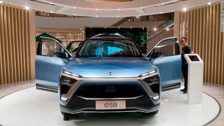nio es8 suv RESTRICTED