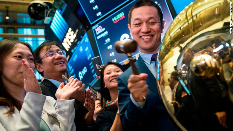NIO CEO rings NYSE IPO