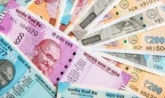 India struggles to find the answer to its slumping currency