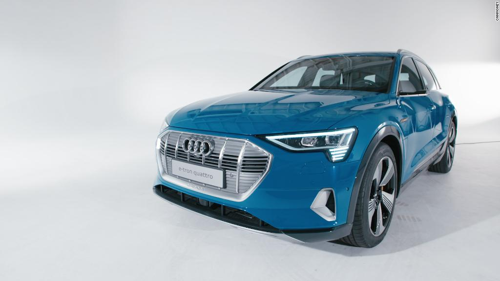 Crossover Audi E-Tron has become a production model