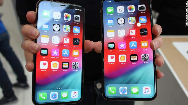 iphone xs and xs max review apple 39 s latest are the best yet but do you need them. Black Bedroom Furniture Sets. Home Design Ideas