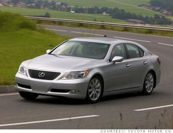 Luxury sedan: Lexus LS460L