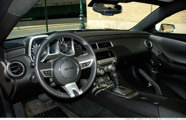 2018 Camaro Inside >> Mustang vs. Camaro: War of 'wimpy' muscle cars - Inside the Camaro (5) - CNNMoney.com