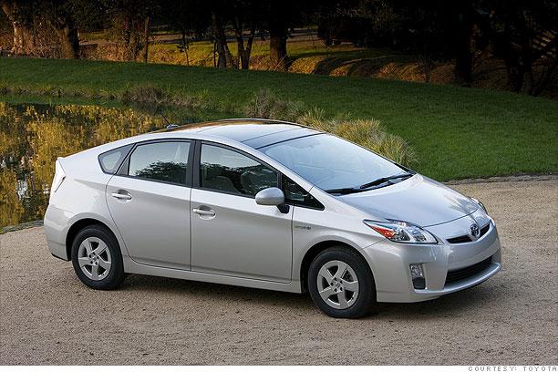 10 safest fuel-efficient cars - Toyota Prius (6) - CNNMoney