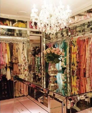 Paris Hilton S Pad For Rent Walk In Closet 8