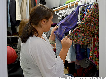 Sells her old clothes