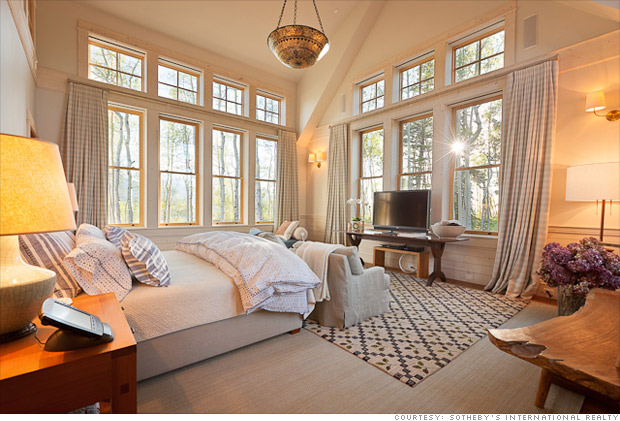 mansion master bedroom jerry seinfeld selling colorado mansion for 18 million 12212