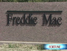 Fannie, Freddie hit new lows